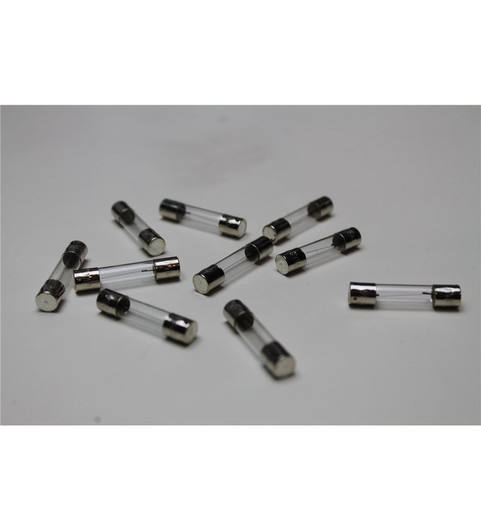 100 replacement lamps for Marantz devices. 8 volts 250 mA